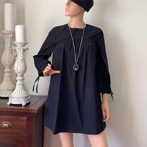 Wilfred gorgeous dress with necklace
